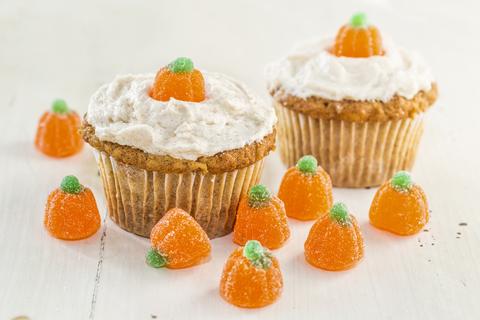 Pumpkin cupcakes with mini pumpkins