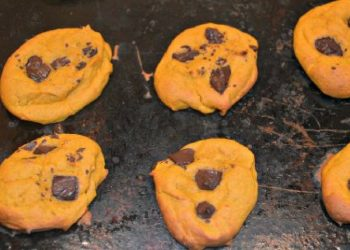 Amazingly Easy Pumpkin Chocolate Chip Cookies