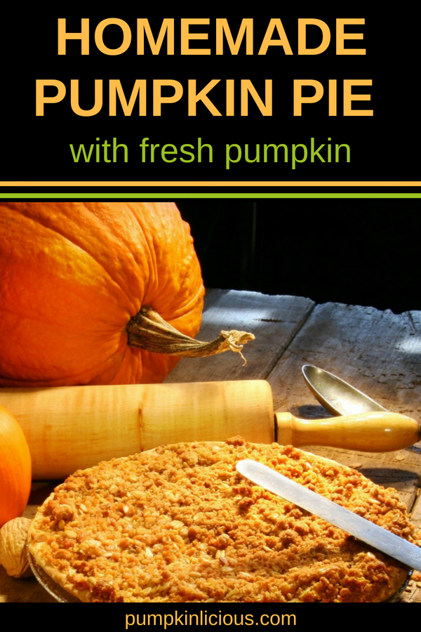 Looking for a simple homemade pumpkin pie recipe for the holidays? This one is made from scratch with fresh pumpkin puree filling: so easy and healthy at the same time! perfect for Thanksgiving, but also just because. #pumpkinpie #homemade #pumpkinlicious #pumpkinpierecipes #thanksgiving #holidaysrecipes