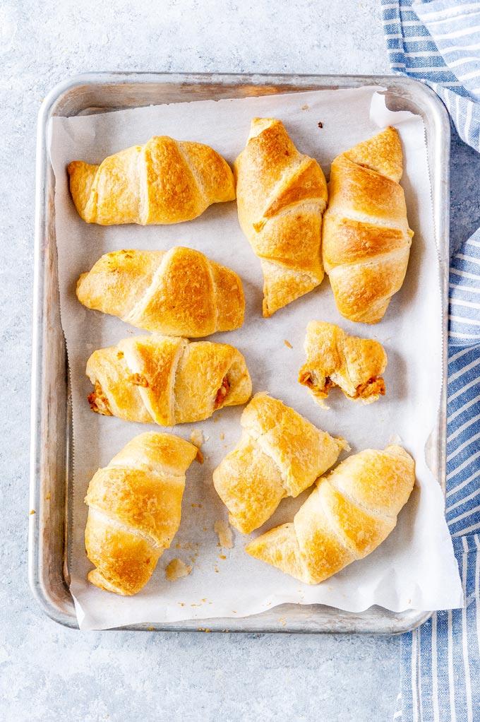 Cheesy Pumpkin Crescent Rolls - Imagelicious.com