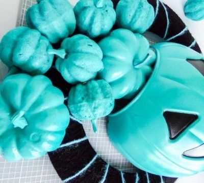 teal pumpkin wreath craft